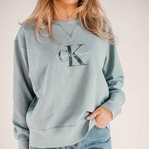 Calvin Klein Sweaters - Calvin Klein oversized Sweater